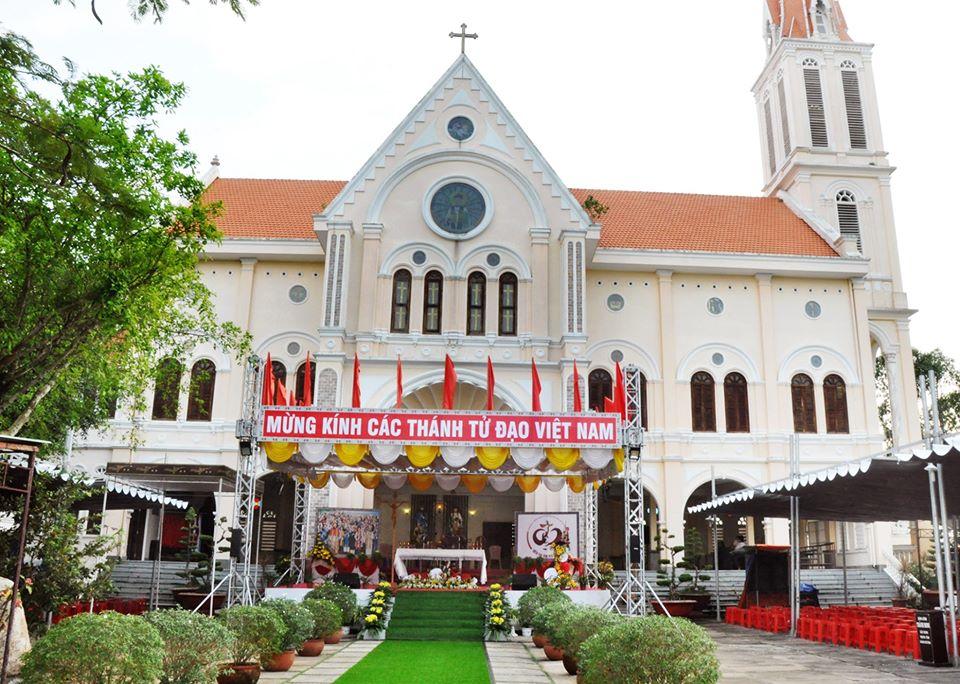 Trực tuyến: Thánh lễ mừng Các Thánh Tử Đạo Việt Nam - Truyền thống Quới Chức Giáo phận Vĩnh Long