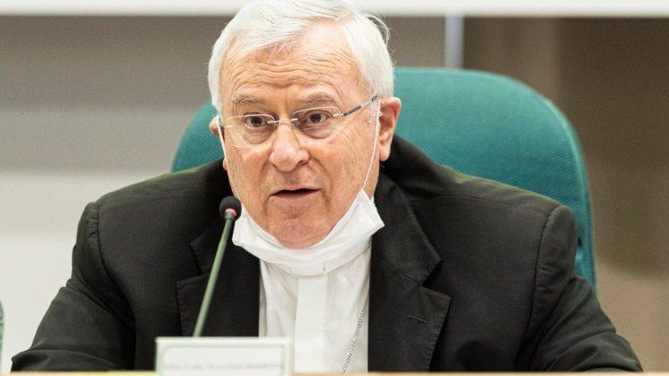 ĐHY Chủ tịch HĐGM Ý mời gọi tin tưởng tổng thống Mattarella