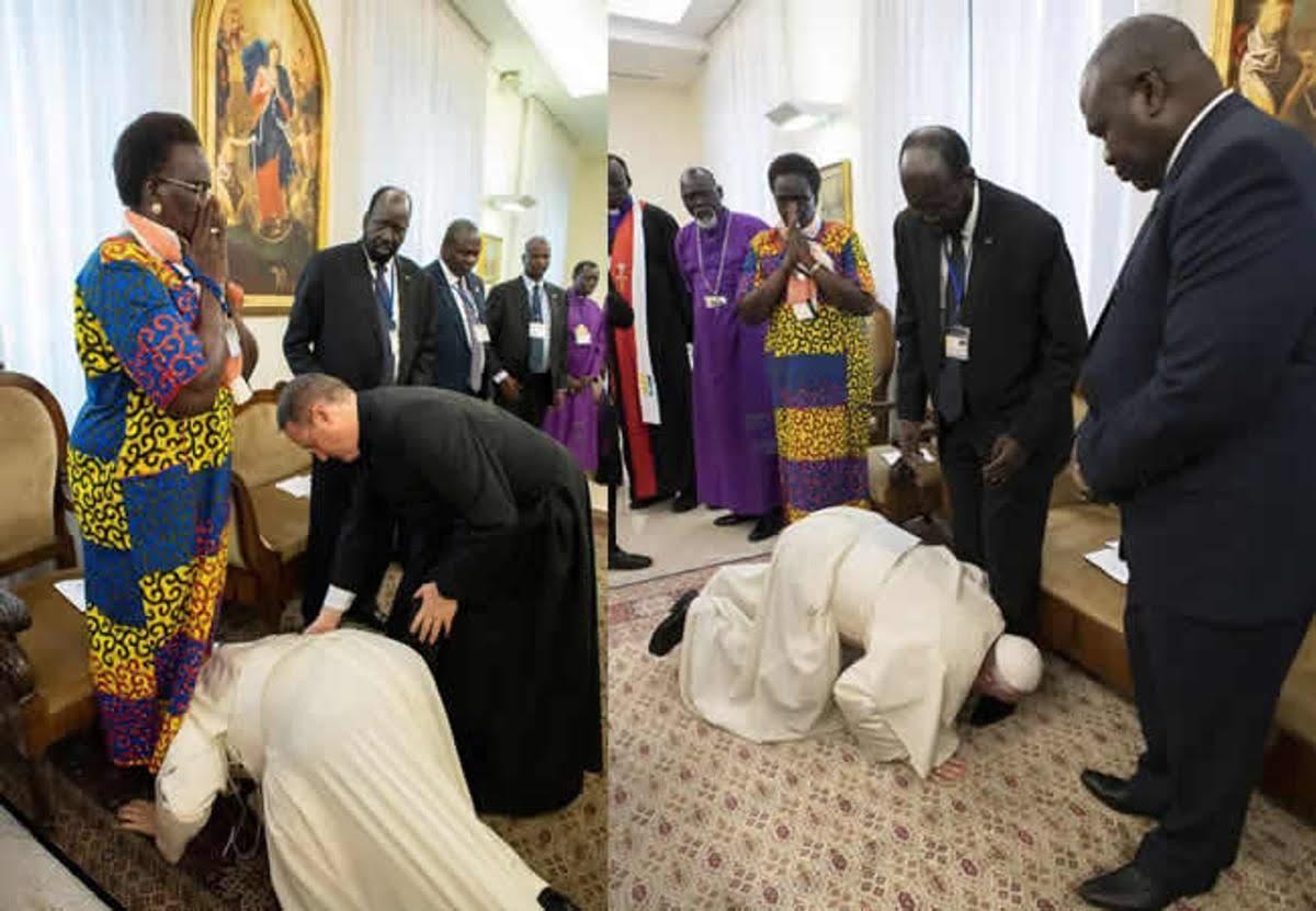 Đức Giáo Hoàng Phanxicô bất ngờ hôn chân các vị lãnh đạo Nam Sudan đang đối nghịch nhau