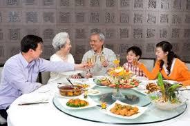 10 Điều Bổ Ích Để Có Bữa Cơm Gia Đình Bổ Ích Hơn