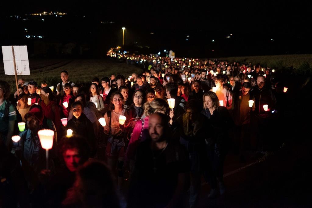 100 ngàn người hành hương đi bộ từ Macerata tới đền thánh Đức Mẹ tại Loreto.