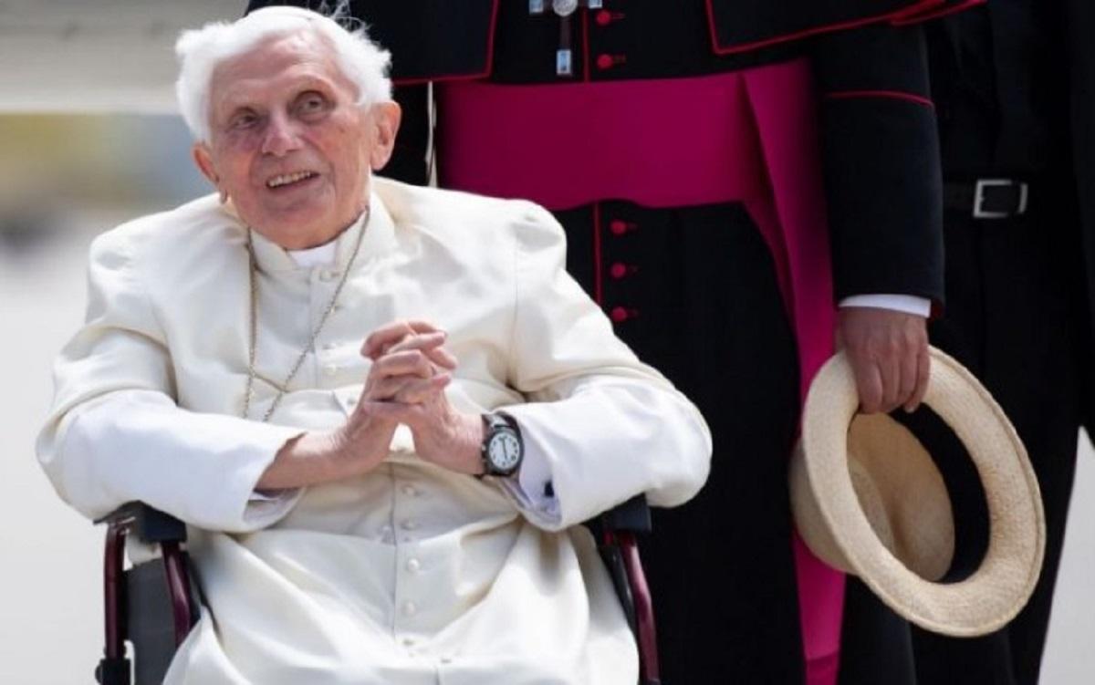 Đức nguyên Giáo hoàng Benedict XVI, đau yếu ở tuổi 93, chọn nơi an táng cho mình
