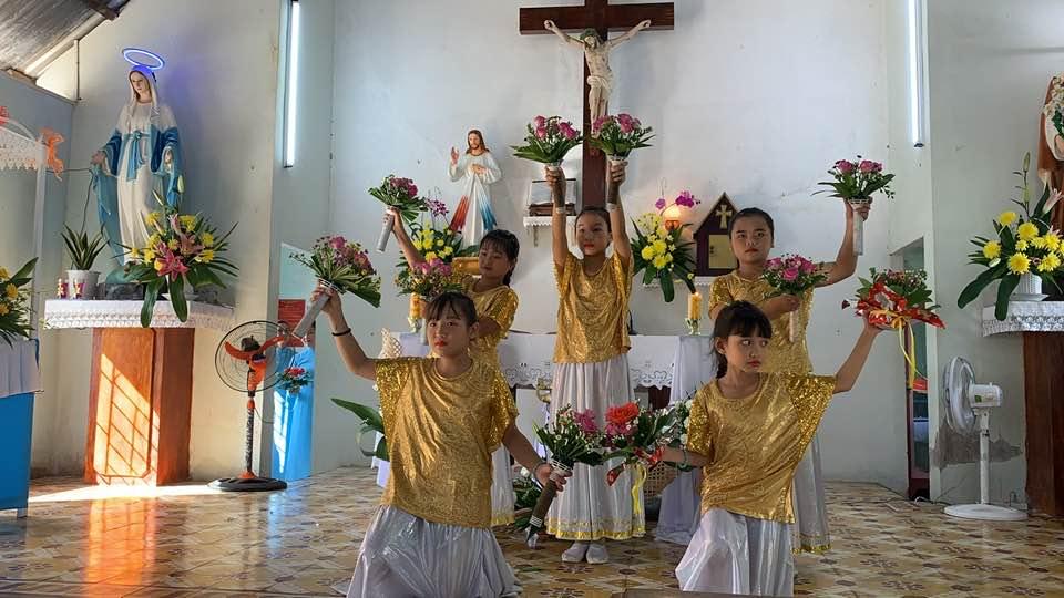 Họ Đạo Vang Quới mừng trọng thể Lễ Đức Mẹ Mân Côi!