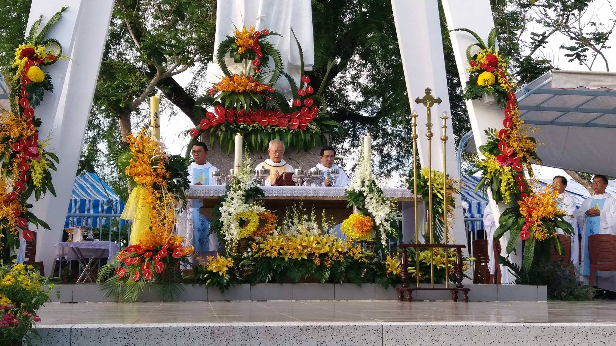 TTHH Fatima Vĩnh Long : Khai mạc hành hương kỷ niệm 100 năm Đức Mẹ hiện ra tại Fatima - Ảnh minh hoạ 12