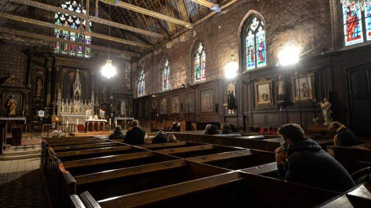 Do đại dịch Covid-19, năm nay Giáo hội Pháp có thể thiếu hụt 100 triệu euro