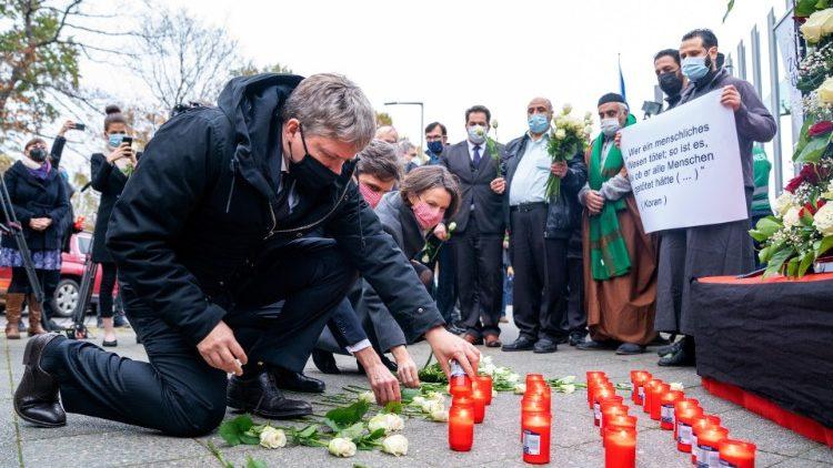 Giám đốc truyền giáo của Áo kêu gọi tránh lấy thù hận đáp lại hận thù, sau các vụ khủng bố ở Vienna