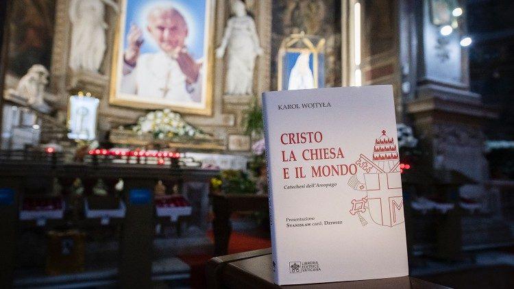 Lòng đạo đức và tinh thần cầu nguyện của Đức Gioan Phaolô II qua các bản thảo