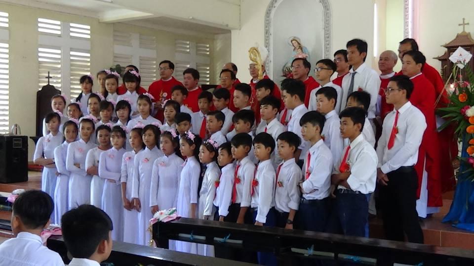 ✠ Họ Đạo Cái Cá & Cầu Đúc: Thánh Lễ Ban Bí Tích Thêm Sức.