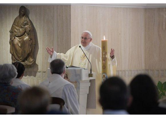 Khi nào linh mục bỏ đọc 'Đây là Mầu nhiệm Đức tin' (Mysterium Fidei)?