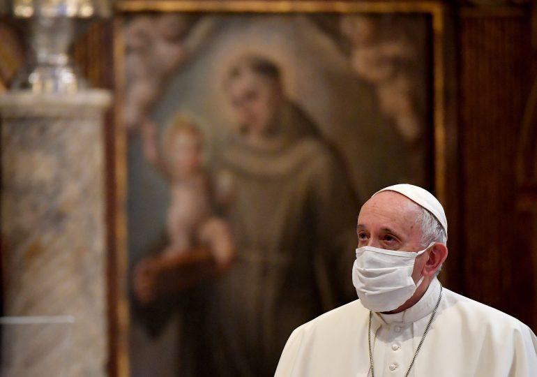 Dan Hitchens: Những nhận xét bất cẩn của Đức Giáo Hoàng về các kết hiệp dân sự sẽ gây hại cho Giáo Hội