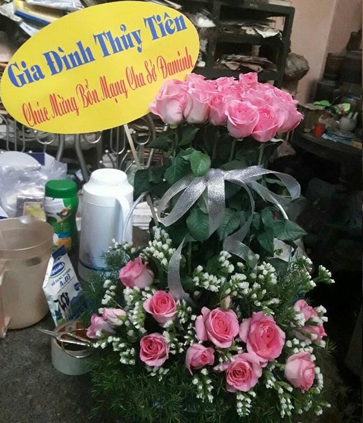 Họ đạo Giồng Trôm : Mừng bổn mạng Cha Sở Đaminh Nguyễn Hữu Trung