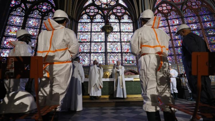 Nhà thờ Đức Bà Paris đang được phục hồi tốt