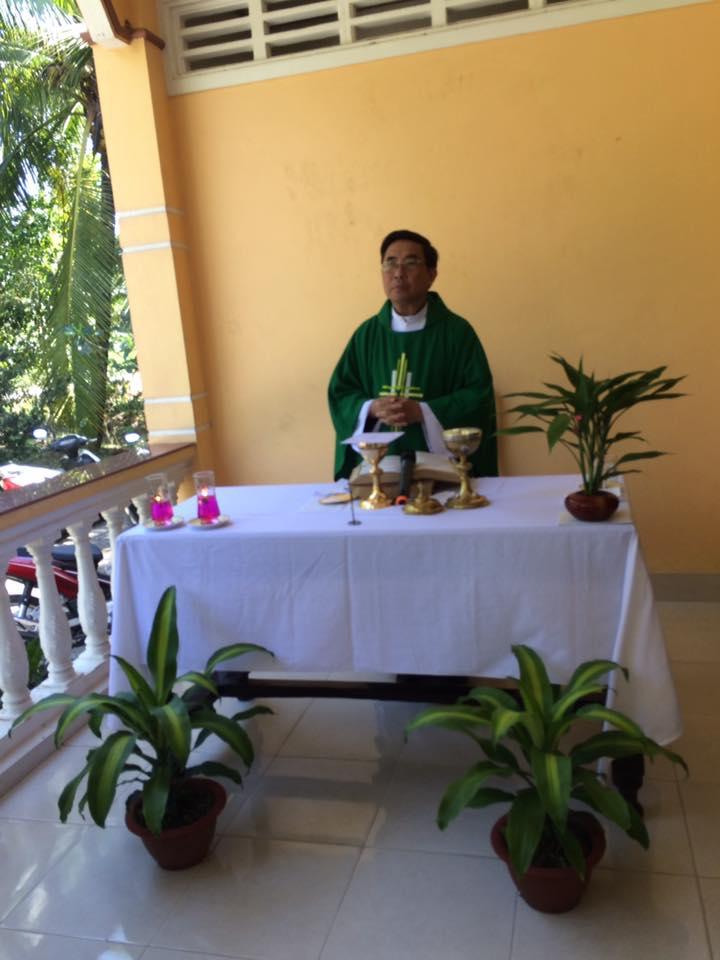 Họ đạo Cái Nhum : Thánh Lễ cho người già yếu