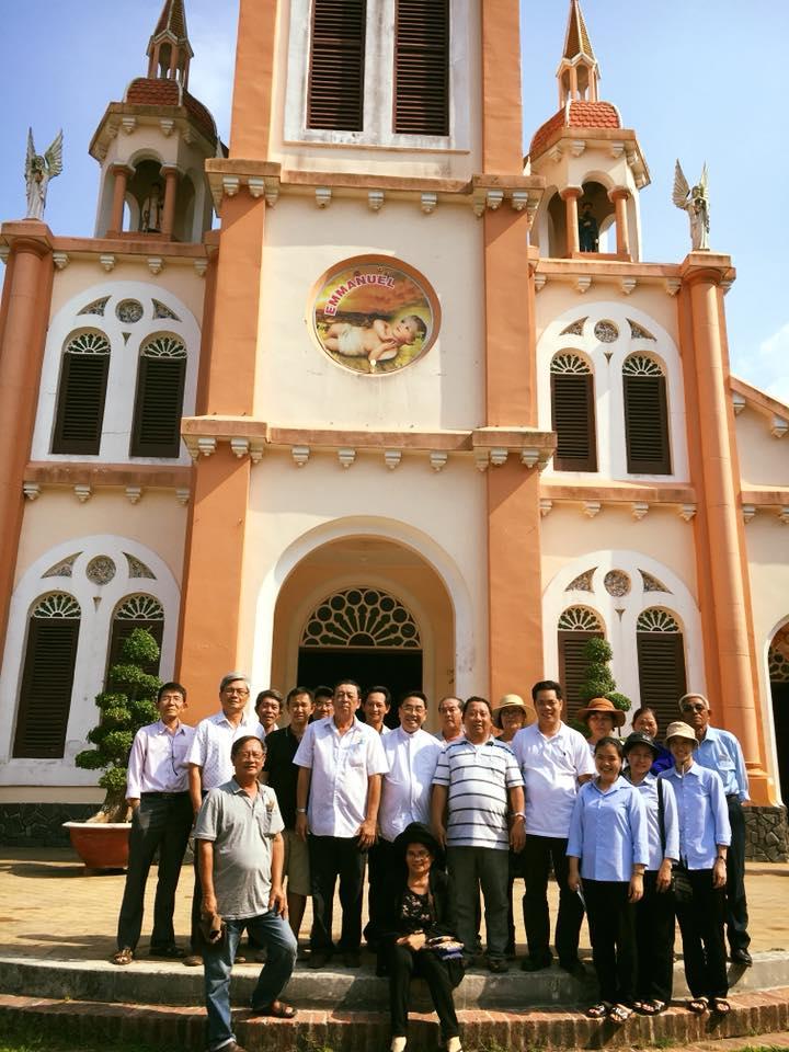 Giáo xứ Thanh Điền viếng Đức Mẹ xứ Dừa
