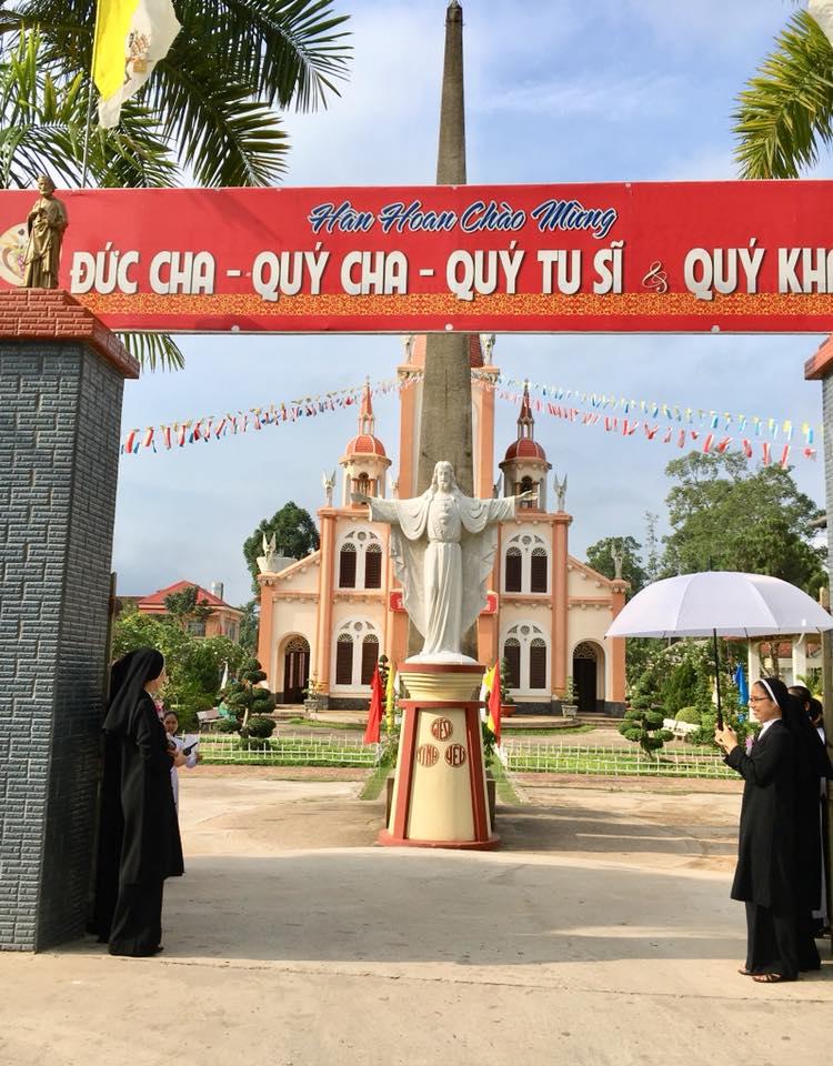 Hội Dòng Mến Thánh Giá Cái Nhum: Hồng ân thánh hiến