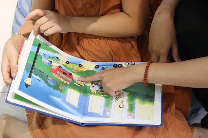 Làm thế nào để con bạn mê đọc sách?