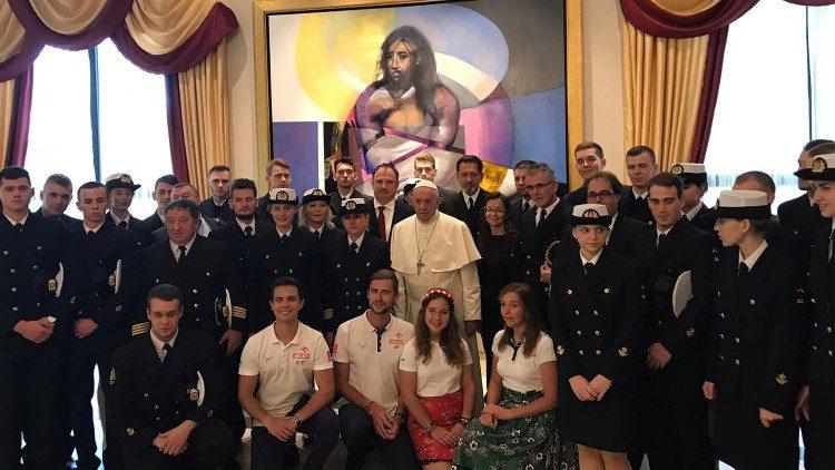 40 thủy thủ trẻ Ba Lan đã diện kiến ĐGH Phanxicô NGTTG Panama