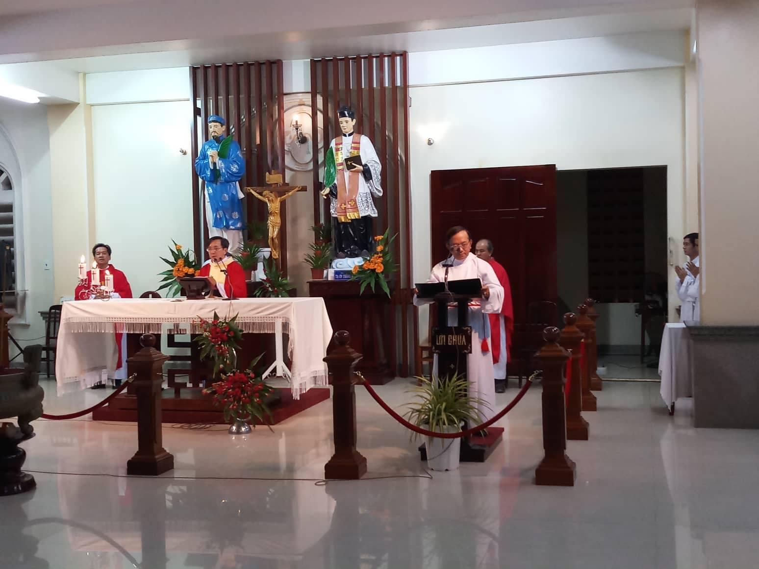 Trung Tâm Hành Hương Đình Khao : Thánh Lễ thứ Năm tuần XXIII TN