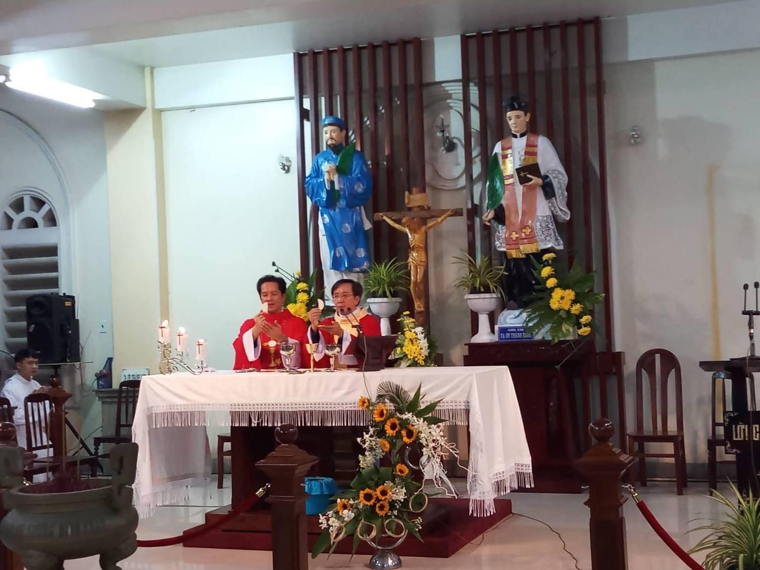 Trung Tâm Hành Hương Đình Khao : Thánh Lễ thứ Năm tuần XXV TN
