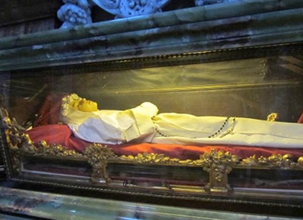 5 vị thánh qua đời khi còn đang tuổi thiếu nhi.