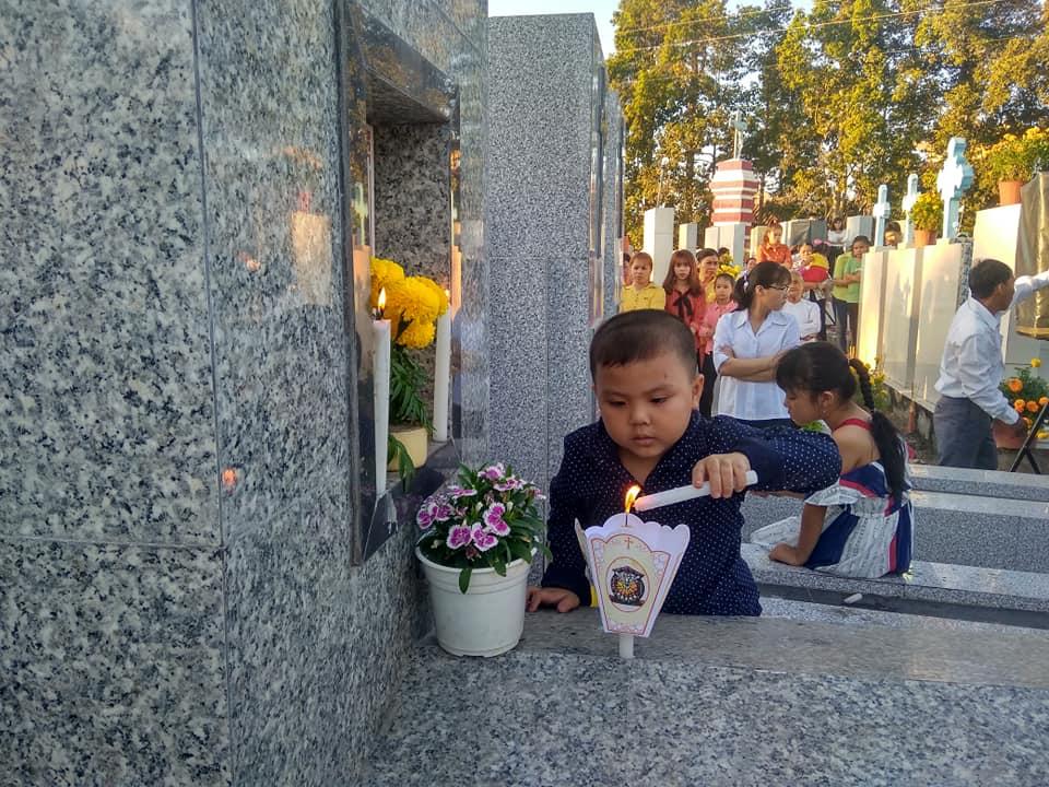Họ đạo Cái Bông : Thánh Lễ cầu cho Tổ Tiên