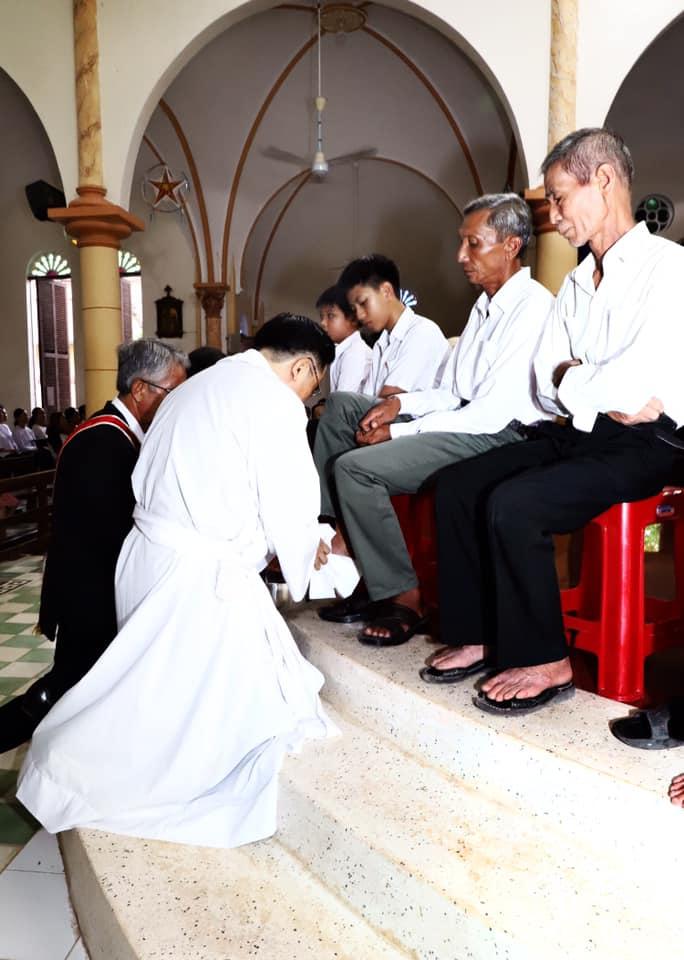Họ đạo Cái Nhum : Thứ Năm tuần Thánh
