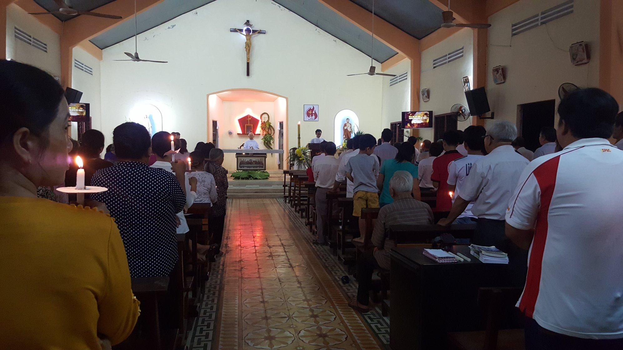 Họ đạo Giồng Trôm : Thánh Lễ Vọng Mừng Chúa Phục Sinh