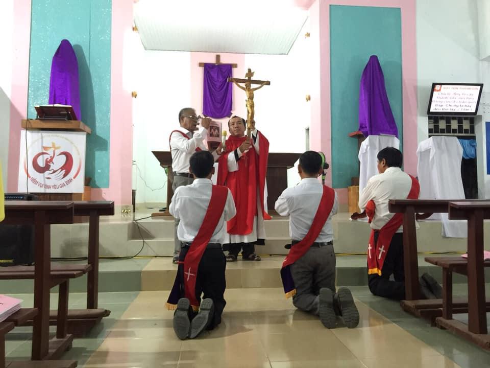 Họ đạo Tiểu Cần : Thứ Sáu Tuần Thánh