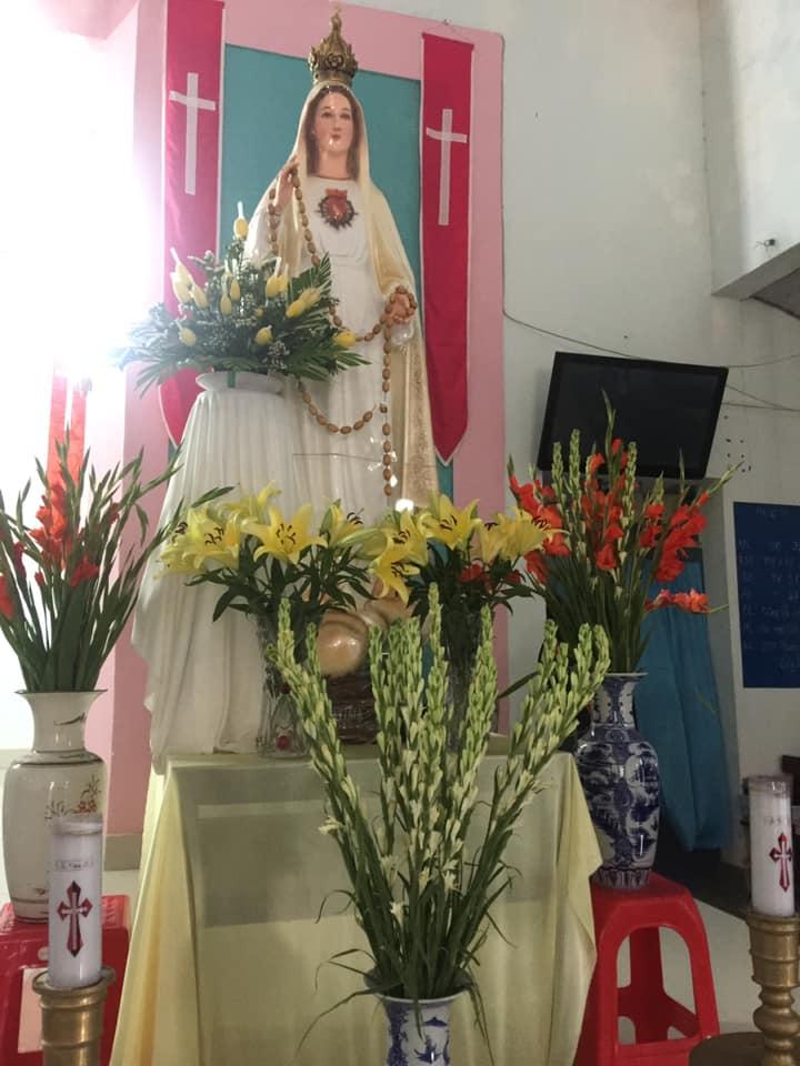Nhà Thờ Tiểu Cần múa dâng hoa Đức Mẹ tháng hoa 2019