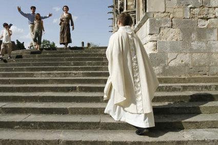 Các bà mẹ của các linh mục kể chuyện