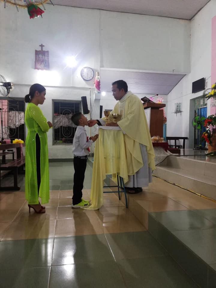 Họ đạo Tiểu Cần : Thánh Lễ rước Lễ lần đầu