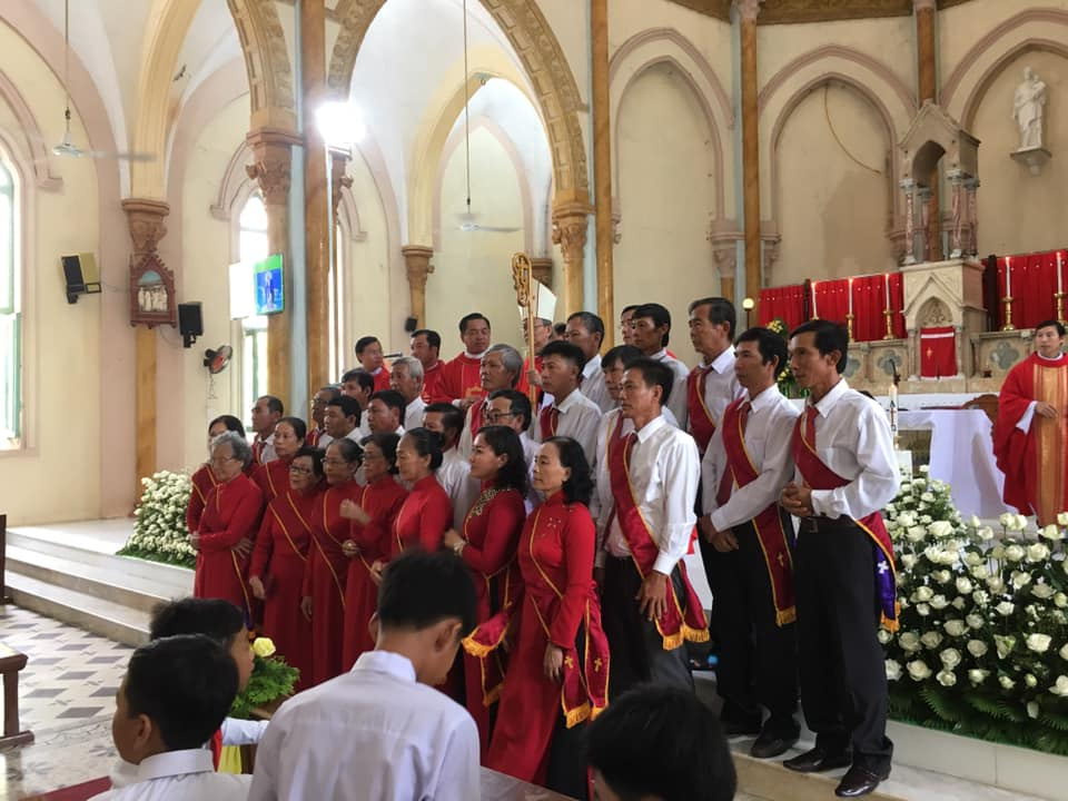 Họ đạo Vinh Kim : Thánh Lễ ban Bí Tích Thêm Sức