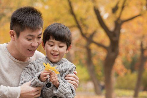 7 cách để một ông bố bận rộn có thể dành thời gian cho con cái.