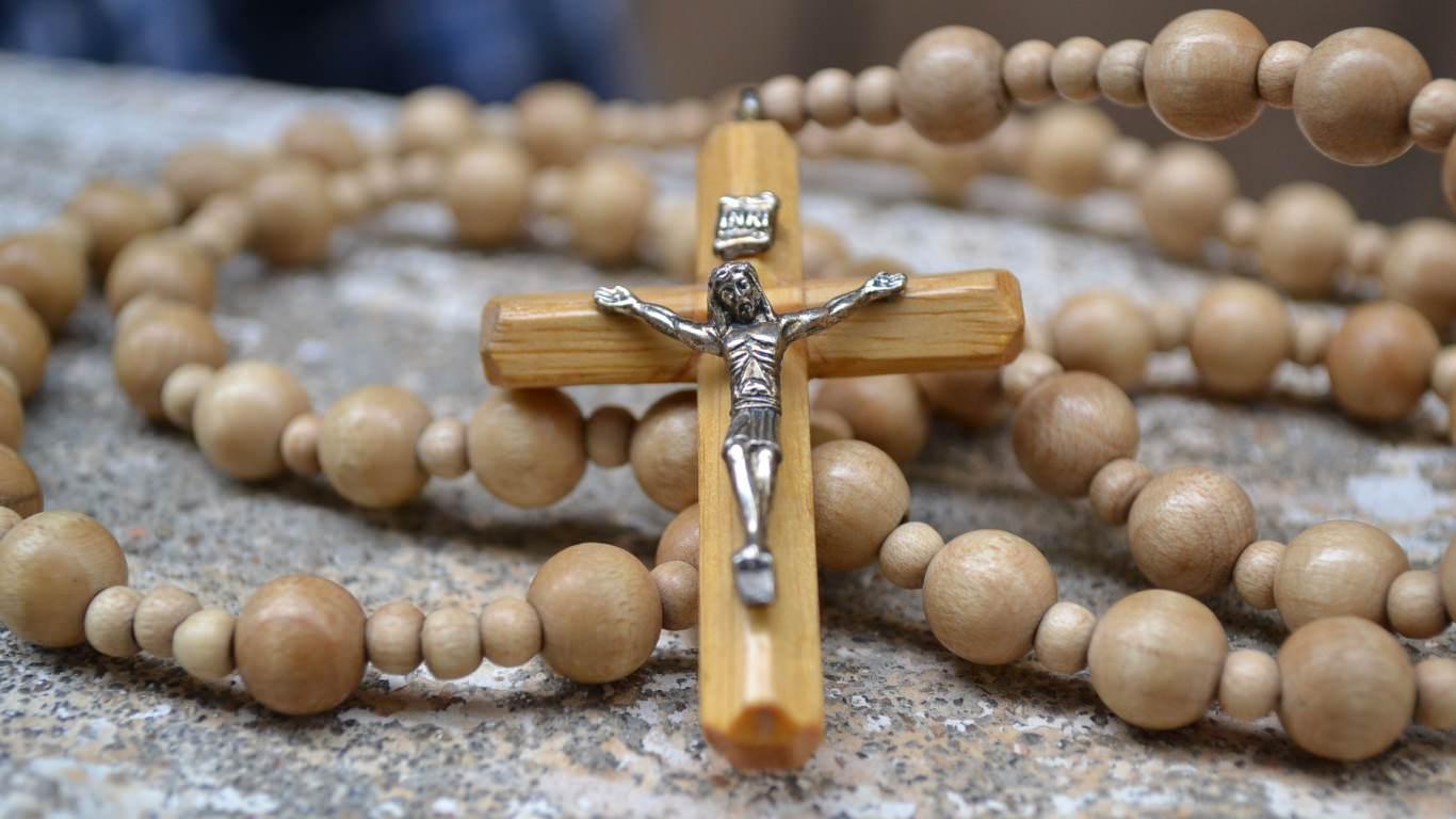 7 điều bất ngờ xảy ra khi bạn cầu nguyện với chuỗi Mân Côi thường xuyên hơn..