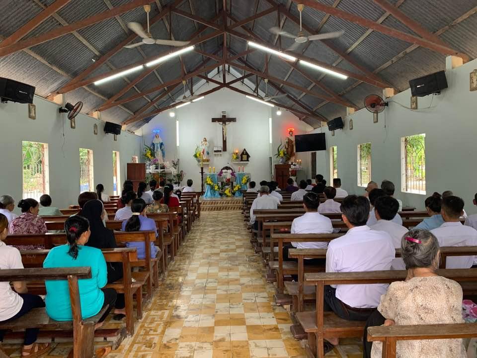 Họ đạo Vang Quới : Nghi thức rửa tội