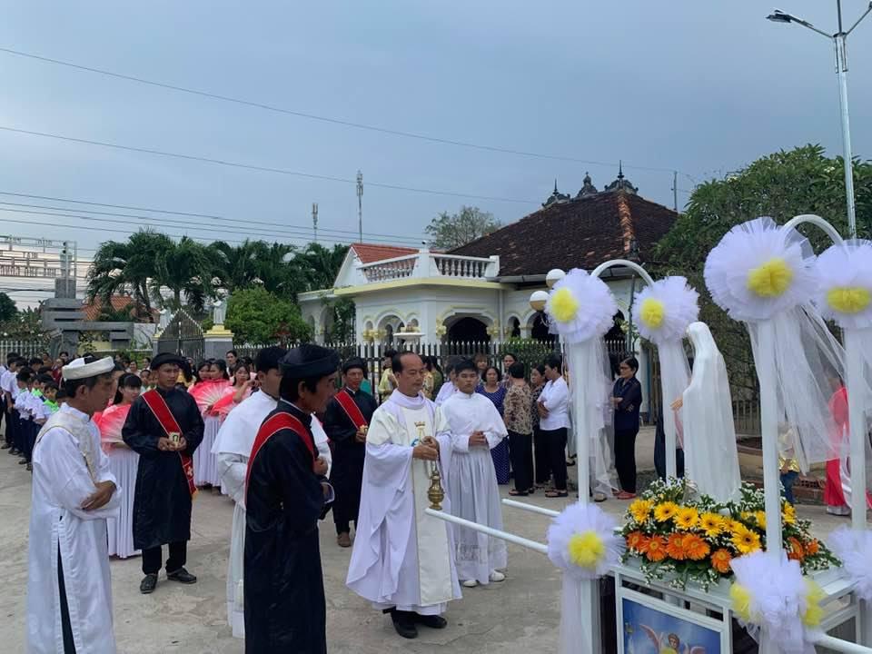 Họ đạo Phú Thuận : Lễ Mẹ Mân Côi