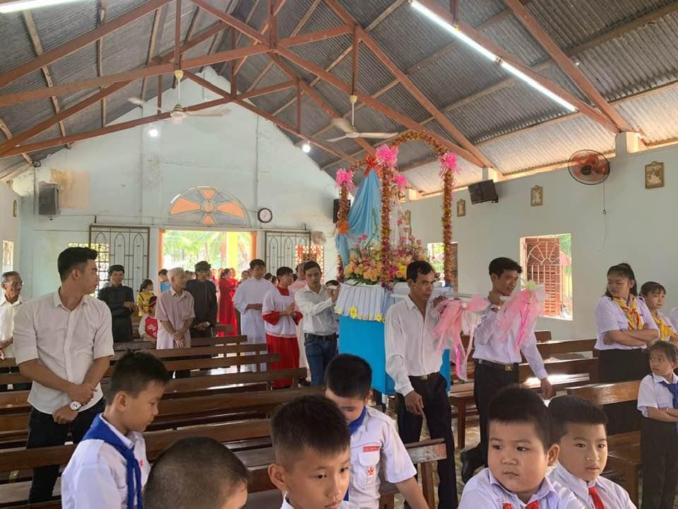 Họ đạo Vang Quới : Lễ Mẹ Mân Côi