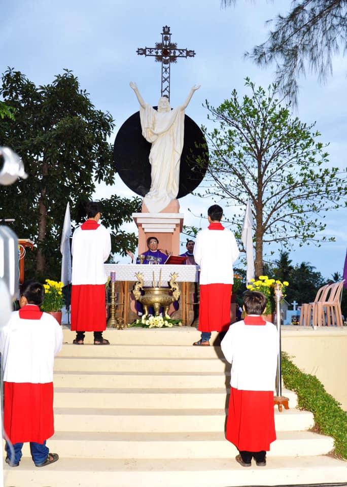 Họ đạo Cái Nhum : Thánh Lễ cầu cho các linh hồn
