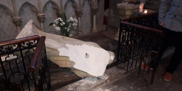 Chín tượng Đức Mẹ bị đập bể ở thành phố Pau và các vùng lân cận