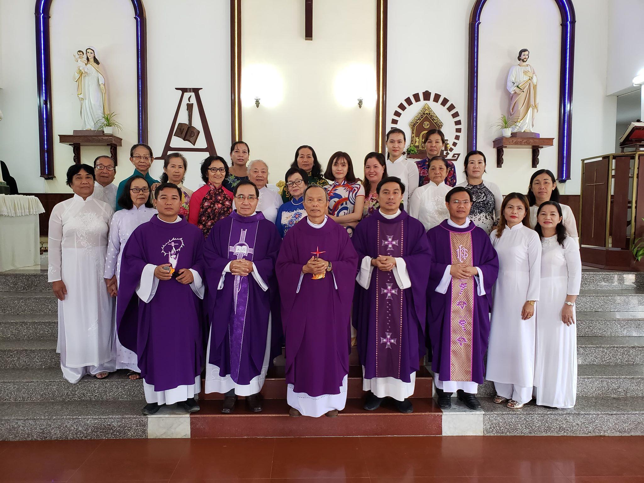 Họ đạo Vĩnh Hòa : Nhận hội viên Caritas