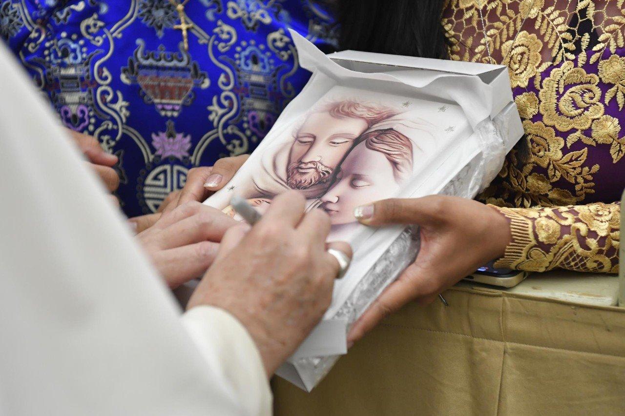 ĐTC Phanxicô: Giáo hội không biên giới, nâng đỡ những ai đau khổ và không lên án