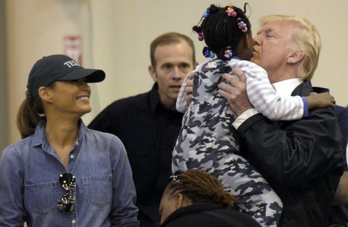 TT Trump dự lễ Ngày Cầu nguyện Quốc gia cho các nạn nhân bão Harvey