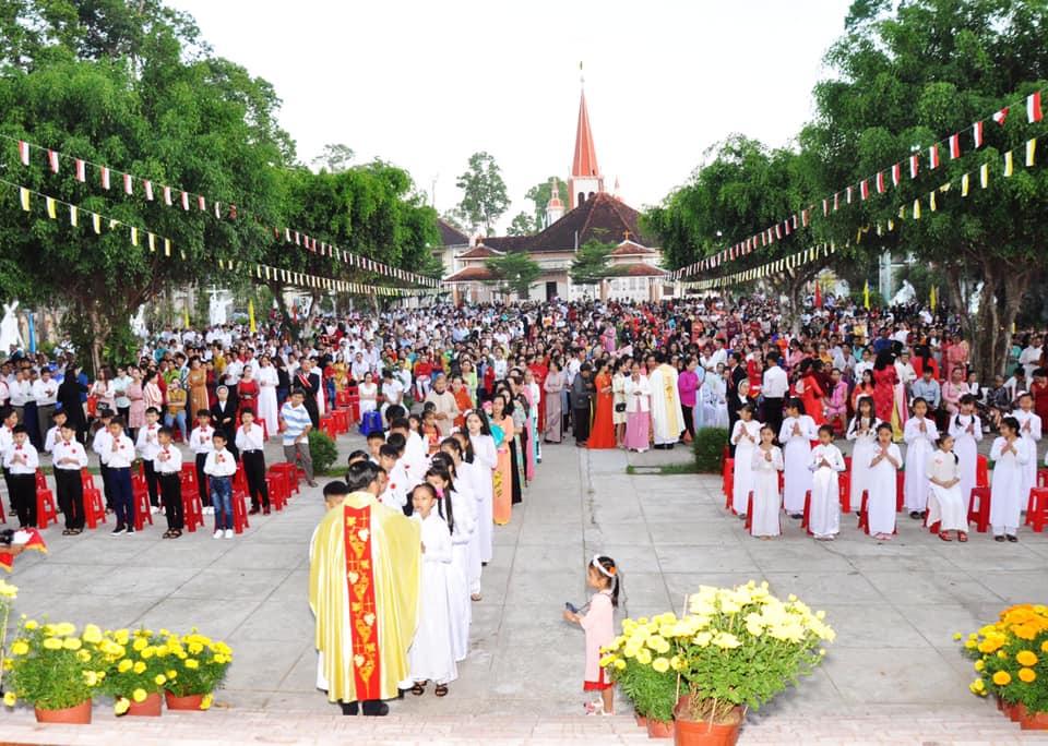 Họ đạo Cái Nhum : Thánh Lễ Minh Niên 2020