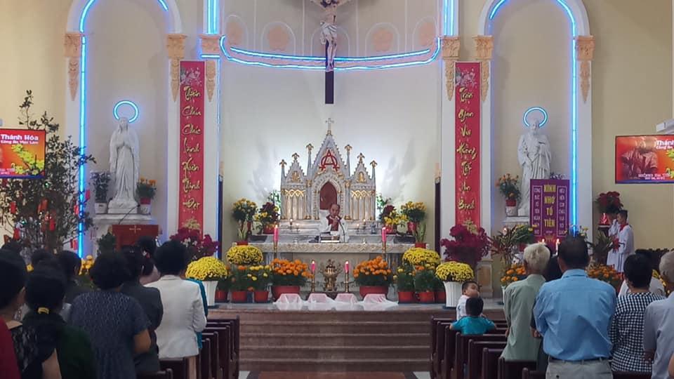 Họ đạo Cái Nứa : Thánh Lễ thánh hóa công ăn việc làm