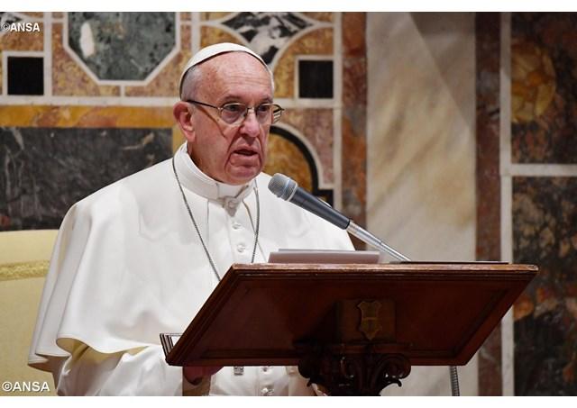 Sứ điệp Đức Thánh Cha nhân ngày Thế giới Truyền thông thứ 51