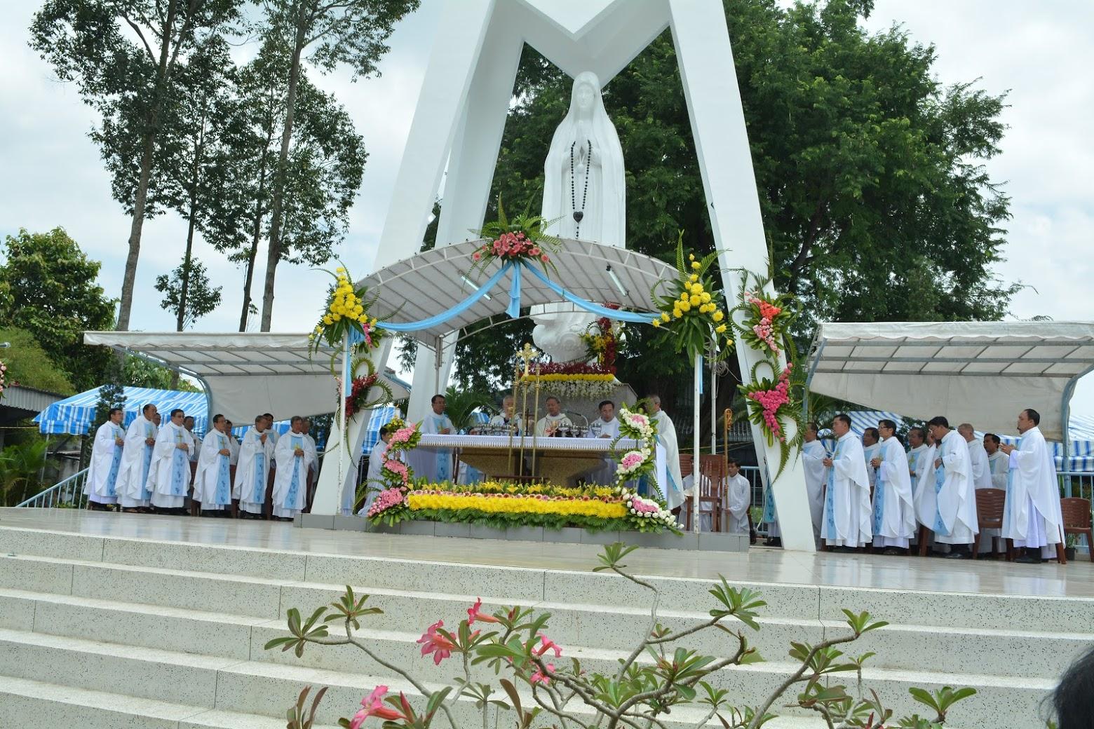 Trung Tâm Hành Hương Fatima Vĩnh Long : Hành hương kính Mẹ Fatima 13.10