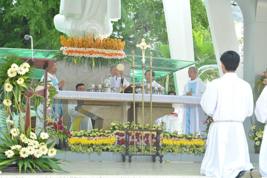 TTHH Fatima : Hành hương kính Mẹ 13.5