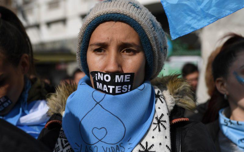 Quốc hội Á Căn Đình bỏ phiếu sít sao cho luật tự do phá thai