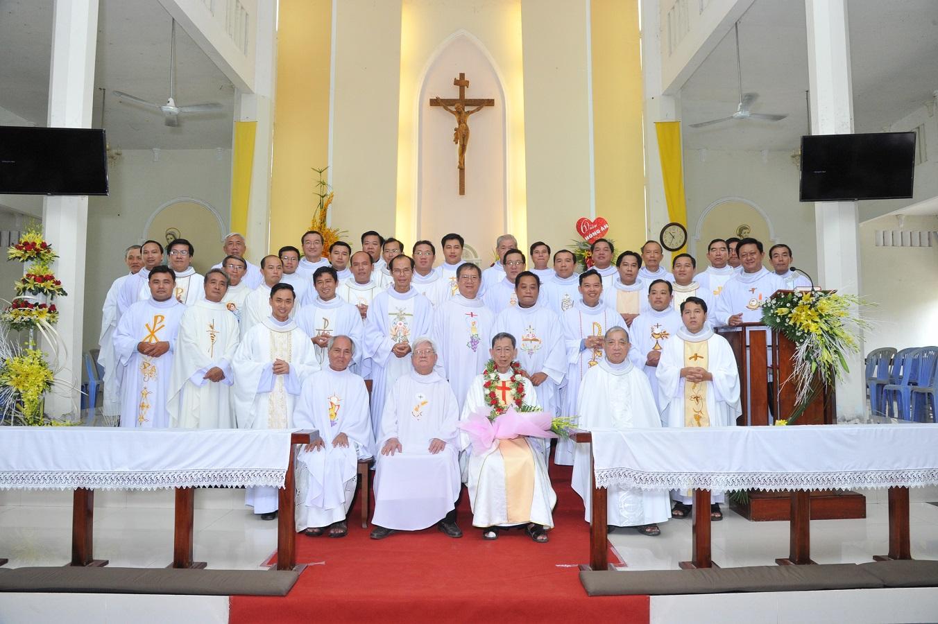 Họ Đạo Bãi Xan :Thánh Lễ tạ ơn Ngọc Khánh của linh mục Phaolô Nguyễn Văn Thãnh