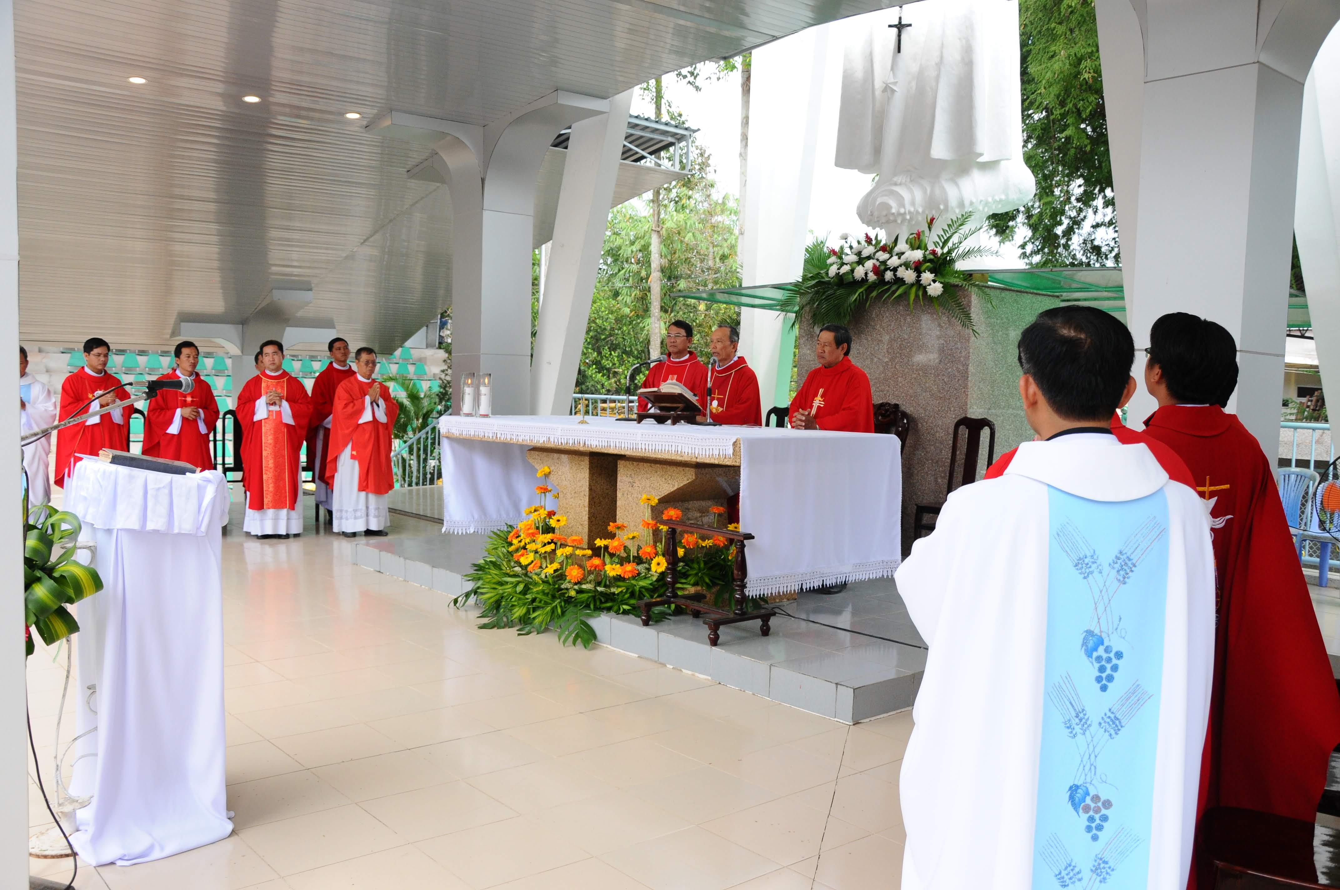TTHH Fatima Vĩnh Long : Hành hương kính Mẹ 13-12